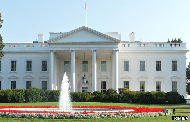 white_house_tribuna