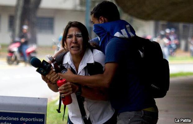20140403-venezuela-ataque-periodista