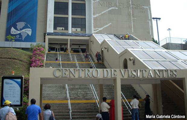 Tanto el Centro de Visitantes de Miraflores en Ciudad de Panamá como el Centro de Observación de la Ampliación en Colón están abiertos todos los días para brindar a los turistas la experiencia completa de vivir el momento histórico del centenario del Canal de Panamá.