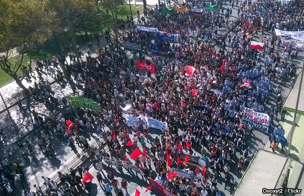 20140508-marcha-estudiantes-chile